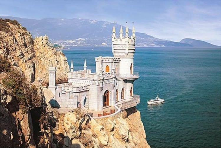 Крым ссамого начала года принял неменее 3 млн туристов